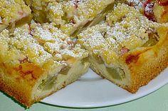 Rhabarberkuchen mit Quark-Sahne-creme und knusprigen Butter-Streuseln - 4,6. - sehr schönes Rezept mit Rührteig, auch mit anderen Früchten gut :) :) - http://www.chefkoch.de/rezepte/1605391267712873/Rhabarberkuchen-mit-Quarkcreme-und-Streuseln.html