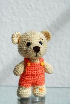 Teddy ...den ich ein wenig vermisse :o( Amigurumi Häkeltier gehäkelt