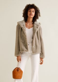 Discover the latest trends in Mango fashion, footwear and accessories. Faux Fur Hooded Coat, Fur Coat, Winter Outfits, Cool Outfits, Neue Outfits, White Trousers, Inspiration Mode, Mango Fashion, Fur Jacket