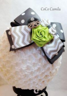 Chevron and Polka dot boutique hair bow   me gusta sin botón, sería lindo!