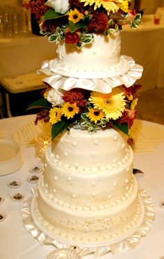 Wedding cake with fall colors