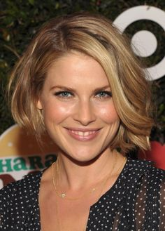 Ali Larter wavy bob hairstyle | Hairstyles Weekly