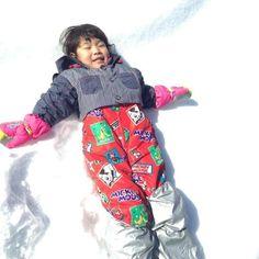 セカンドストリートで買ったスキーウェアで、雪遊びを楽しみました♡ 年に数回着るだけなので、セカンドストリートなどのリサイクルショップは、本当にありがたいです。 おかげさまで、この表情(*^_^*)     #BUYat2ndSTREET http://campaign.2ndstreet.jp/gallery/