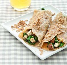 Crespelle alla birra con tofu affumicato e erbette - Cucina Naturale Veggie Recipes, Veggie Food, Mini Frittata, Feta, Tacos, Veggies, Ethnic Recipes, Kitchens, Vegetarian Food