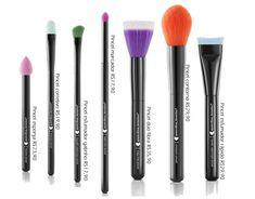 A marca de maquiagem Quem Disse, Berenice promete novidades em produtos para julho! São oito modelos pincéis mais produtos de necessáire, como lixa, espelho e esponja.