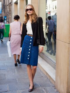 How to wear a chic button-front denim skirt: pair with a simple tee and black blazer for a modern vibe