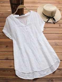 O-NEWE Fashion Embroidery V Neck Blouses for Women can cover your body well, make you more sexy, Newchic offer cheap plus size fashion tops for women. Blouse Col V, V Neck Blouse, Kaki Rose, Embroidery Fashion, Embroidery Blouses, Floral Embroidery, Loose Shirts, Blouse Online, Shirts Online
