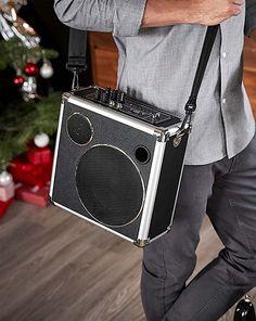 Technické darčeky pre mužov – teraz online v Tchibo! Audio, Bags, Fashion, Handbags, Moda, Fashion Styles, Fashion Illustrations, Bag, Totes
