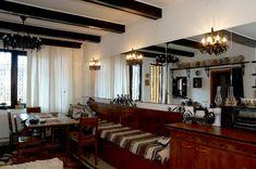 Anca Ciuciulin își găsește inspirația în casa ei tradițional românească | Adela Pârvu - Interior design blogger Decor, Furniture, Interior, Table, Home Decor