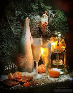 Favourite holiday of Russians in creative photographs by the photo artist Marina Volodko Holiday Day, Christmas Mood, Noel Christmas, Merry Christmas And Happy New Year, Christmas Pictures, Christmas Crafts, Christmas Decorations, Holiday Decor, New Year Wishes Images