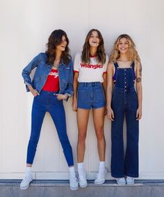 Urban Outfitters revisits a classic denim brand for this nostalgic new collab. Style Outfits, Retro Outfits, Vintage Outfits, Casual Outfits, Cute Outfits, Throwback Outfits, Fashion Outfits, 70s Fashion, Denim Fashion