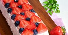 Gyümölcsös-túrós alagút - sütés nélkül Waffles, Strawberry, Fruit, Breakfast, Food, Morning Coffee, Essen, Waffle, Strawberry Fruit