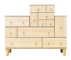 Estos cajones forman segmentos que puedes disponer como más te convenga. IKEA PS 2012 cómoda de 6 cajones €299 130×48, Al 86cm. Pino. 102.194.56 IKEA PS 2012 cómoda de 6 cajones €130 52×48, Al48cm. Pino. 702.194.58