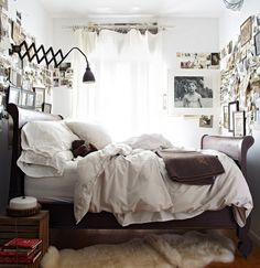 60 Unbelievably inspiring small bedroom design ideas perfect for a tiny home. Home Bedroom, Bedroom Decor, Bedroom Ideas, Master Bedroom, Kids Bedroom, Bedroom Inspiration, Budget Bedroom, Bedroom Pictures, Master Bath
