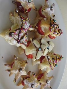 Chocolate Crackle Christmas Trees You will need 2 x 30cm round ...