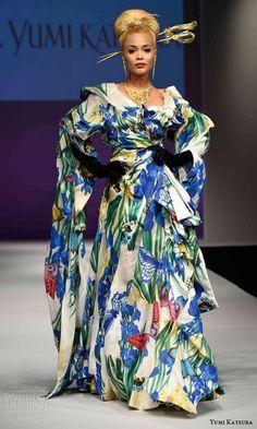 Yumi Katsura Fall 2016 Wedding Dresses — 50th Anniversary Golden Harvest Bridal Collection | Wedding Inspirasi