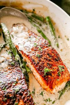 This Garlic Dijon Salmon recipe makes juicy, flaky, and flavorful salmon fillets pan seared in a delicious cream sauce with dijon mustard and garlic. Pan Fried Salmon, Oven Baked Salmon, Baked Salmon Recipes, Fish Recipes, Salmon Recipe Pan, Dijon Salmon, Smoked Salmon, Best Low Carb Recipes, Keto Recipes