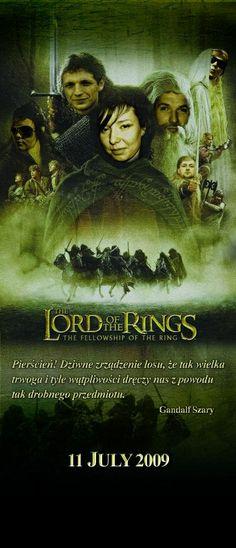 """Kolejny z serii """"dziwnych prezentów okolicznościowych"""". Tym razem młodą parę ( Frodo i Aragorn) przedstawiliśmy jako bohaterów sagi """"Władca Pierścieni"""", całość wydrukowana i zmontowana w konstrukcji roll-up."""