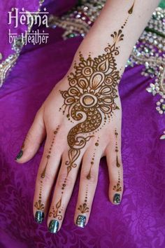 Henna mehndi designs have a lot of lines, dots, curves, vines, flowers and motifs in them. Animal motifs in mehndi designs is getting very . Henna Hand Designs, Peacock Mehndi Designs, New Bridal Mehndi Designs, Mehndi Design Images, Beautiful Henna Designs, Mehndi Patterns, Latest Mehndi Designs, Simple Mehndi Designs, Mehndi Designs For Hands