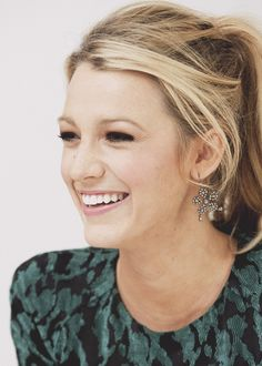 Blake Lively with her large dangle earrings. Such a fashion statement