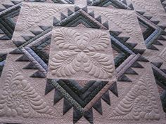 Kootenay Sunset -delectable mountains variation by Donna James - love this pattern and her quilting!