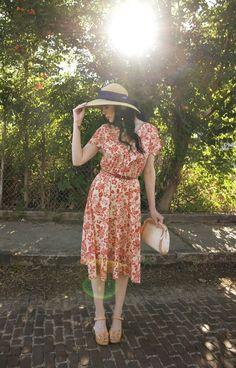 ::I need that hat in my life:: Blogger Spotlight: James of Bleubird Vintage! - Lulus.com Fashion Blog