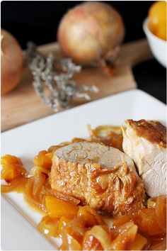 Filet mignon caramélisé aux abricots secs Filet mignon caramelized with dried apricots Meat Recipes, Dinner Recipes, Cooking Recipes, Healthy Recipes, Filet Mignon Sauce, I Love Food, Good Food, Dried Apricots, Relleno
