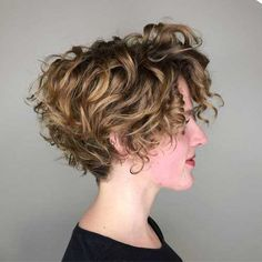 Our Favorite Hairstyles for Thin Curly Hair – Hair Styles Short Curly Hairstyles For Women, Haircuts For Curly Hair, Short Hair Cuts, Easy Hairstyles, Short Natural Curly Hairstyles, Blonde Hairstyles, Permed Short Hair, Medium Hairstyle, Hairstyles Pictures