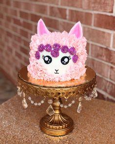 This llama cake is the cutest thing ever. . . #llama #llamacake #missiontx #rgv #cakes #baker