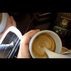 Thank you cafe Romero for making our Monday marvellous  #offtoagoodstart #romero #honduras #flatwhite