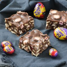 4 Easy Steps For Developing A Sunroom An Easter Version Of My Easy-To-Make Rocky Road Recipe Featuring Cadbury Creme Eggs. Easy Easter Desserts, Easter Recipes, Dessert Recipes, Cafe Recipes, Brownie Recipes, Easter Candy, Easter Treats, Easter Food, Easter Lunch