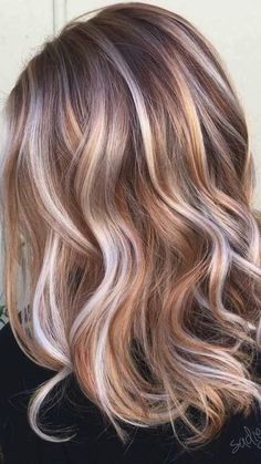 Brown Hair With Lowlights, Hair Highlights And Lowlights, Chunky Highlights, Orange Highlights, Brownish Red Hair, Brown Hair Colors, Winter Hair Colour For Blondes, Autumn Hair Colors, Trendy Hair Colors
