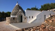 trullo in alto Salento Mansions, House Styles, Home Decor, Swimming Pools, Houses, Places, Vacations, Homes, Luxury Houses