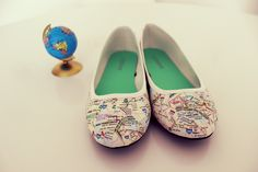 DIY Map Shoes @Chelsea Rose Boudreaux we need to make these with a Finnish map :)