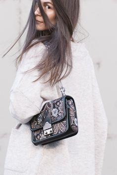 Zara Oversized Sweater | H&M Leggings | Zara Boots | Parfois Bag