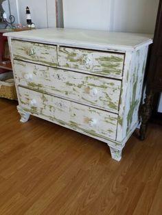 Block painted dresser