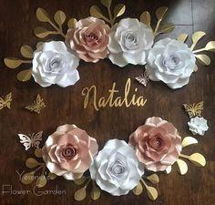 Paper Flowers Craft, Paper Flower Wall, Paper Flower Backdrop, Flower Crafts, Diy Flowers, Paper Crafts, Giant Paper Flowers, Paper Roses, Diy Fleur