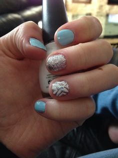 Nail design for short nails | light blue | sparkle accent | simple | easy