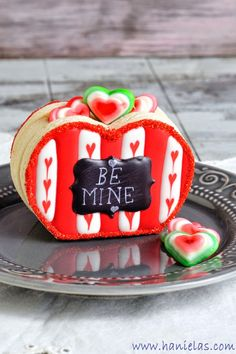 DIY 3D Heart Cookie Box for Valentine's Day