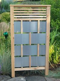 It's good to have a beautiful backyard where you can have a quality time with your family & friends. But there is nothing more important than privacy and intimacy in our lives. Check out these DIY outdoor privacy screen ideas. Privacy Fence Designs, Garden Privacy, Privacy Screen Outdoor, Backyard Privacy, Backyard Landscaping, Landscaping Ideas, Deck Privacy Screens, Backyard Ideas, Privacy Wall On Deck