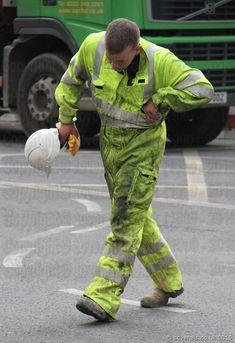 Hi Vis Workwear, Working Men, Construction Worker, Work Wear, Parachute Pants, Overalls, Fashion, Slip On, Hipster Stuff