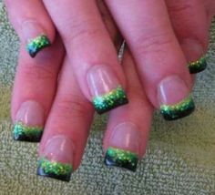 St . Patricks Day nails