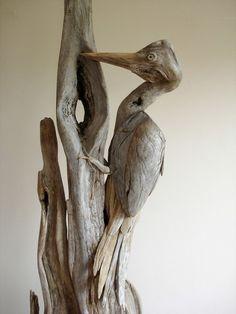 Il fabrique des oiseaux magnifiques en bois flotté! Pourquoi pas vous?