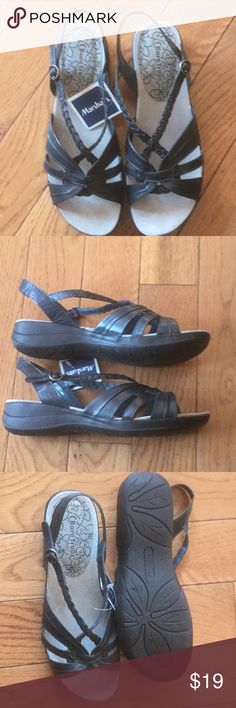 Bare Traps Sandals Brand new size 9M leather upper Sandals. Make me an offer Bare Traps Shoes