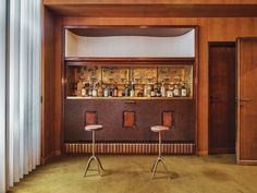 In the playroom, a bar with ceramic plaque inlays by Fontana and a gilded glass mosaic back by Adriano Spilimbergo. Cognac Leather Sofa, Conceptual Design, Mid Century Modern Design, Commercial Interiors, Modern Graphic Design, Mosaic Glass, Living Area, Living Room, Interior Inspiration