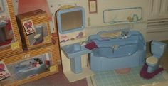 Model SINDY BATH PEDIGREE 1970s BATHROOM FURNITURE VINTAGE CENTRE TAPS