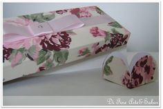 Forminha de papel para docinhos base branca revestida com tecido 100% algodão.  Você escolhe a cor e nós enviamos algumas sugestões de tecido.  *Pedido mínimo 50 forminhas. R$0,80