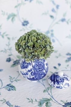 A Colour Story | Verde & Indigo. Photography by Greta Kenyon, Flowers by Leaf & Honey, Styling and Stationery by Magnolia Rouge