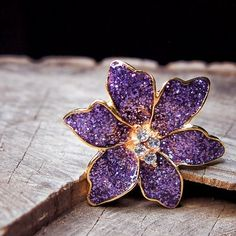 A splash of purple with this Tropical Orchid Brooch  #craft365.com