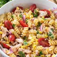 BBQ Chicken Pasta Salad is the ultimate summer dinner - pasta vegetables and chicken dressed with a BBQ sauce vinaigrette! Easy Bbq Chicken, Easy Chicken Parmesan, Chicken Pasta, Easy Drink Recipes, Quick Dinner Recipes, Easy Weeknight Meals, Quick Easy Meals, Pasta Salad Recipes, Pasta Dishes